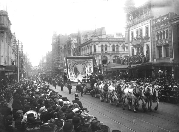 Eight Hour Day procession in Bourke Street